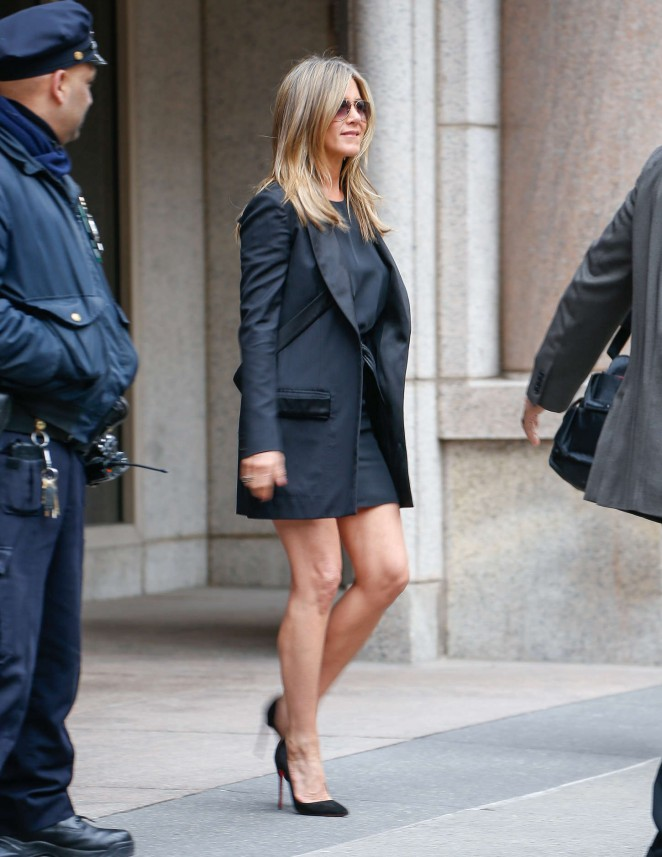 Jennifer Aniston In Mini Dress 02 Gotceleb