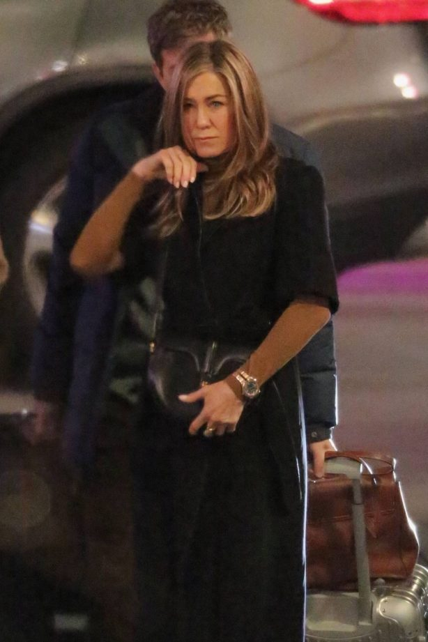Jennifer Aniston - 'The Morning Show' set filming in Los Angeles