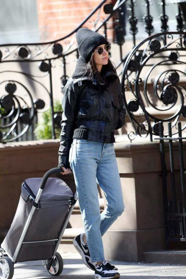 Jennifer Connelly - Shopping in New York City