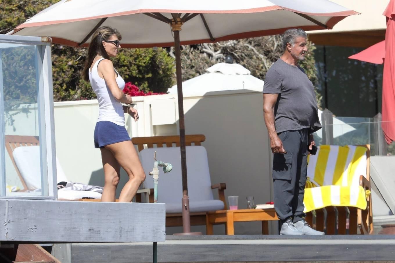 Jennifer Flavin 2020 : Jennifer Flavin – On the beach in Malibu-14