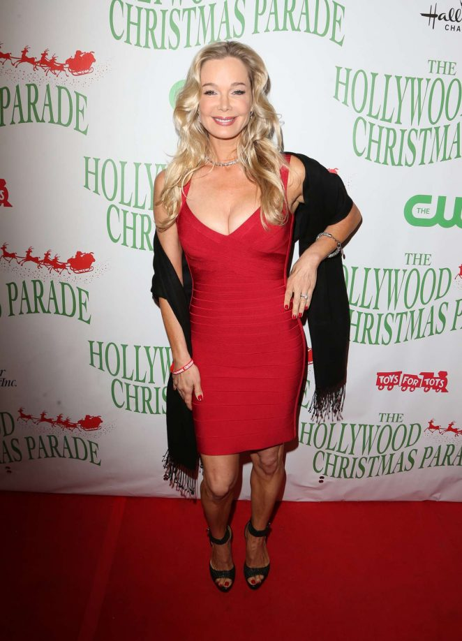 Jennifer Gareis – 85th Annual Hollywood Christmas Parade in Hollywood