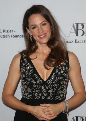 Jennifer Garner – American Ballet Theatre's Annual Holiday Benefit in Beverly Hills