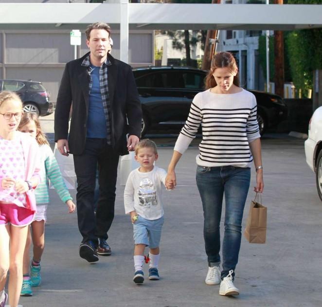 Jennifer Garner and Ben Affleck out in LA