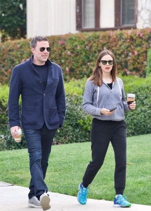 Jennifer Garner and Ben Affleck - Take the kids to school in LA