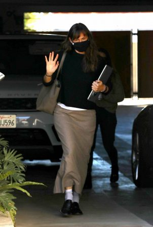 Jennifer Garner - Arrive to a meeting in Brentwood