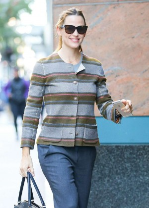 Jennifer Garner - Arrives at a business meting in New York