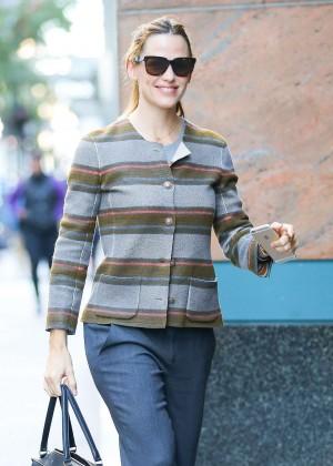 Jennifer Garner - Arrives at a business meting in New York