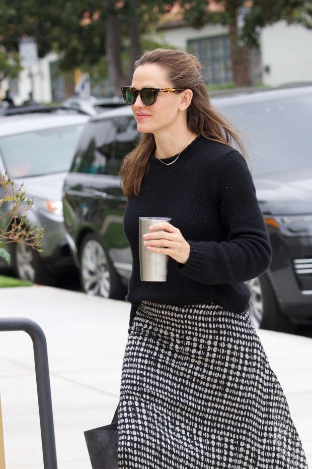 Jennifer Garner - Arrives at a church in The Palisades