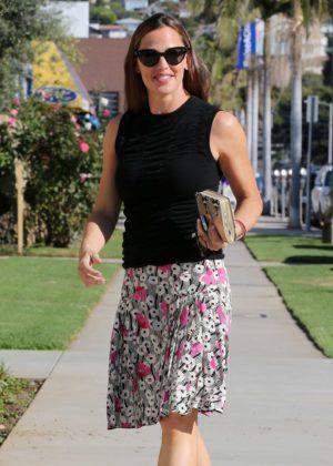 Jennifer Garner - Arrives at church in Pacific Palisades