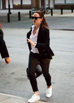 Jennifer Garner arrives at her hotel in New York