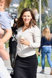Jennifer Garner - Arrives for Sunday Church services in Palisades