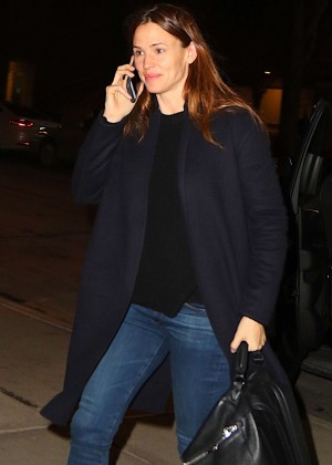 Jennifer Garner - Arriving at JFK Airport in NY
