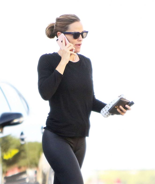 Jennifer Garner Arriving at the gym in Brentwood