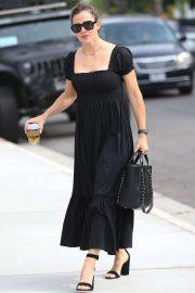 Jennifer Garner - Arriving for church in Pacific Palisades