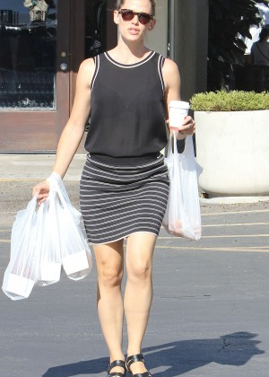 Jennifer Garner at a Farmers Market in Pacific Palisades