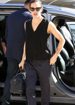 Jennifer Garner at Church in Pacific Palisades