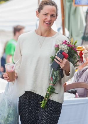 Jennifer Garner at Farmer's Market in LA