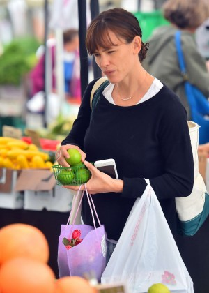 Jennifer Garner - Farmer's Market in Pacific Palisades
