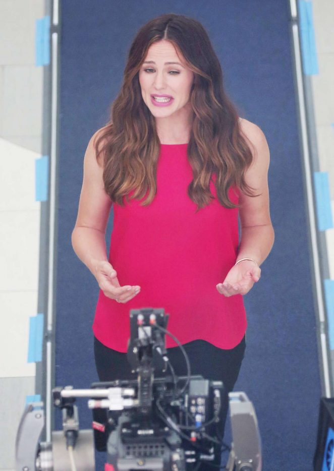 Jennifer Garner - Filming a Capital One Commercial in Los Angeles