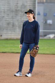 Jennifer Garner - Gets involved with her son Samuel's athletics in LA