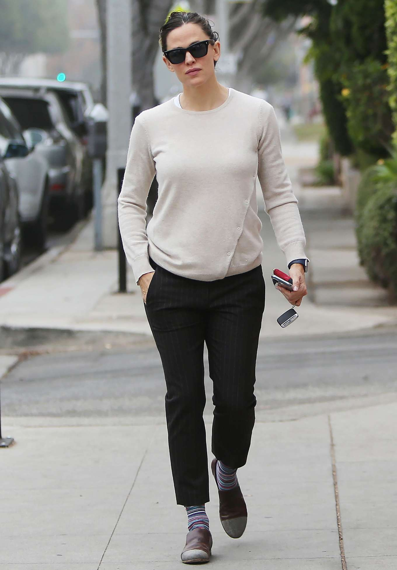 Jennifer Garner 2019 : Jennifer Garner – Goes for her coffee run in Santa Monica-05