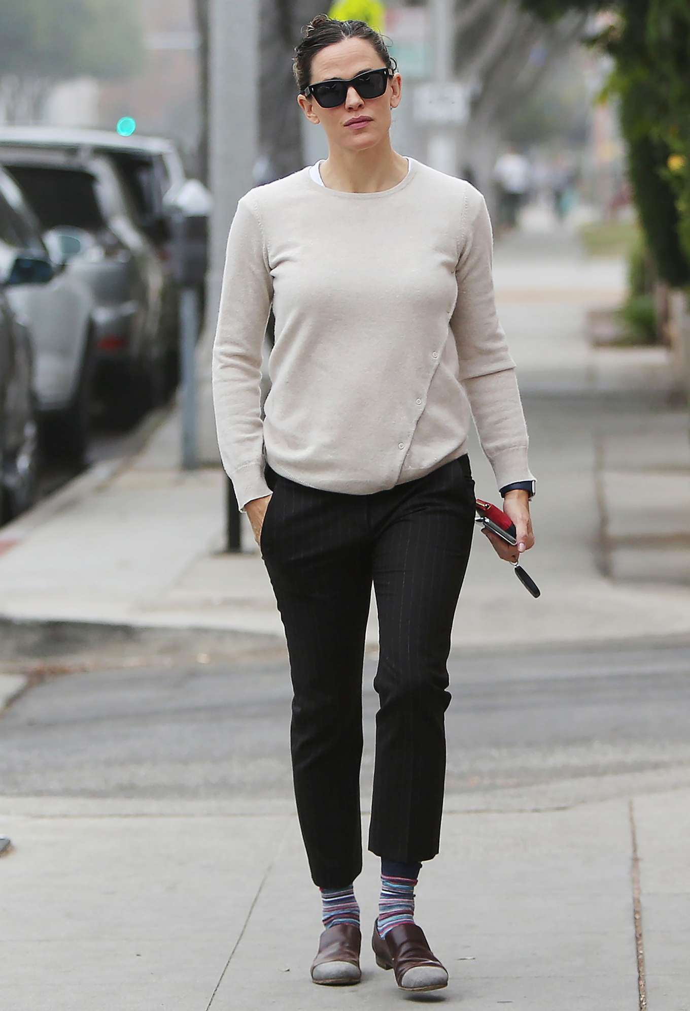 Jennifer Garner 2019 : Jennifer Garner – Goes for her coffee run in Santa Monica-20