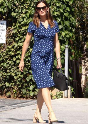 Jennifer Garner - Head to church in Los Angeles