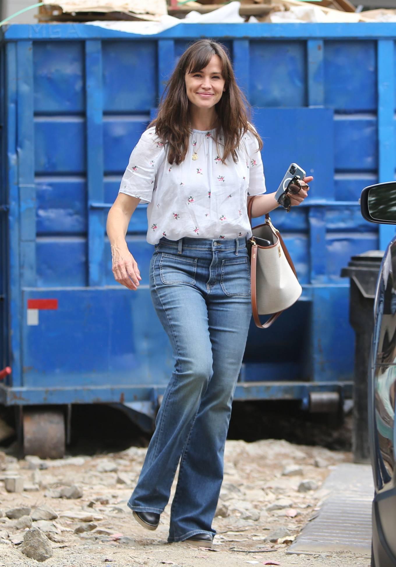 Jennifer Garner 2021 : Jennifer Garner – In a bellbottoms jeans out in Brentwood-17