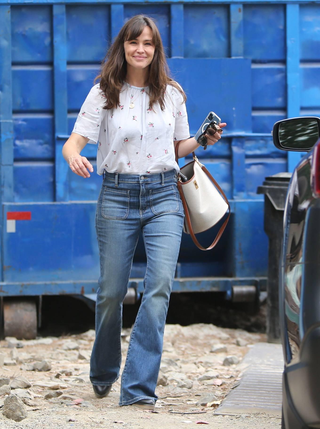 Jennifer Garner 2021 : Jennifer Garner – In a bellbottoms jeans out in Brentwood-43