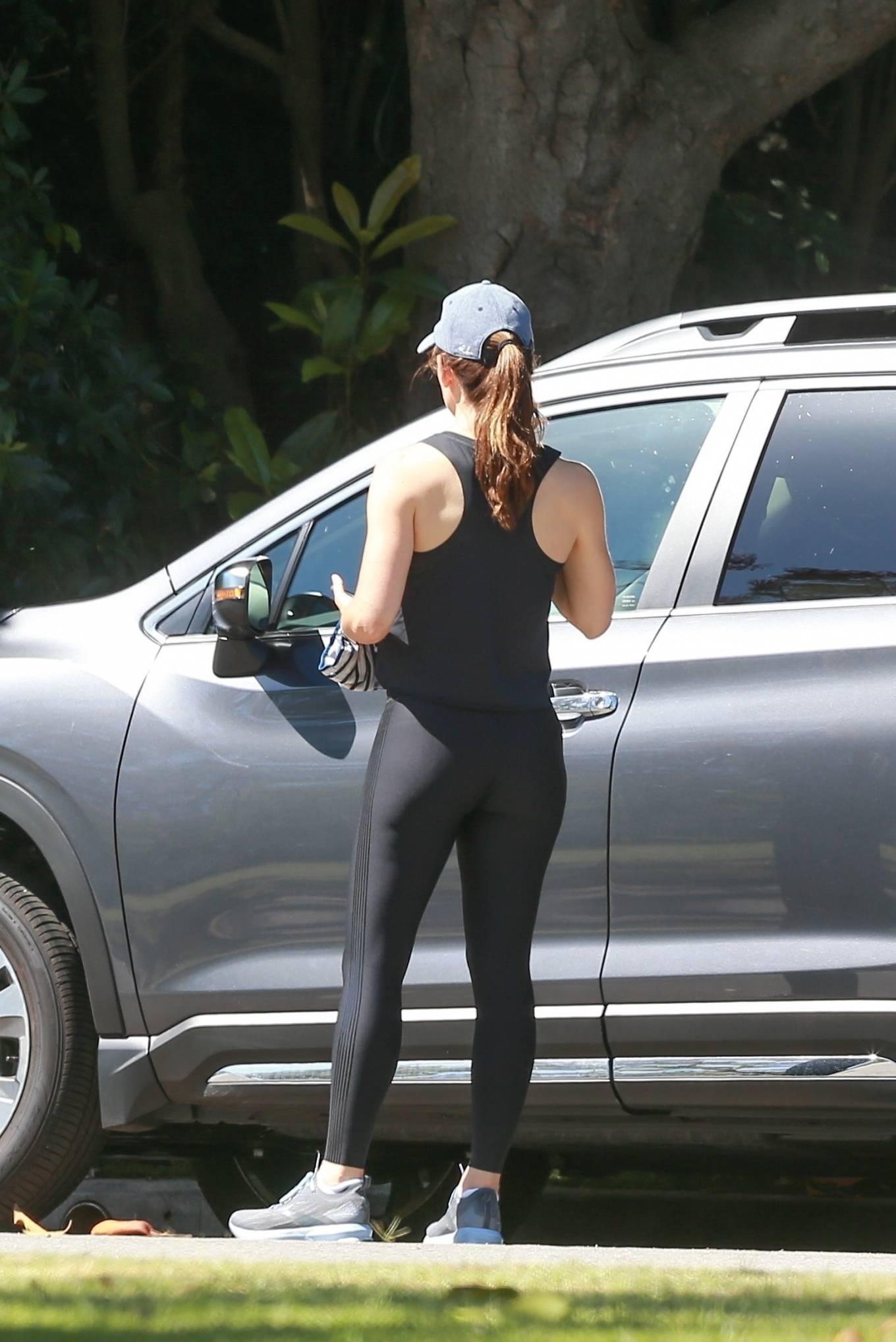 Jennifer Garner 2020 : Jennifer Garner in Black Spandex – Out in Pacific Palisades-09