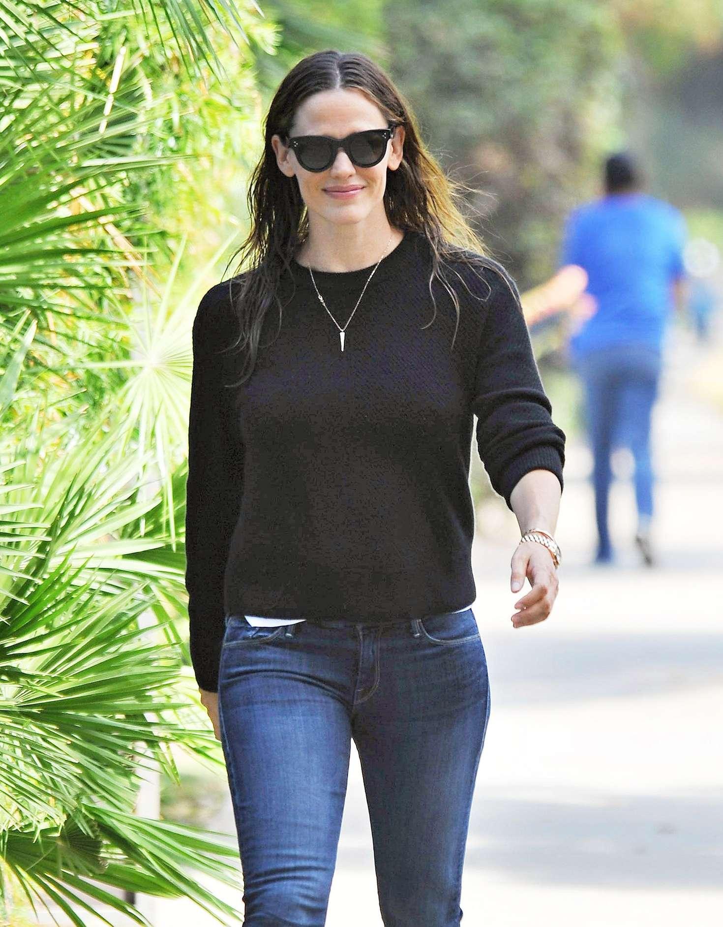 Jennifer Garner 2016 : Jennifer Garner Booty in Jeans -11