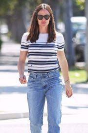 Jennifer Garner in Jeans - Out in Los Angeles