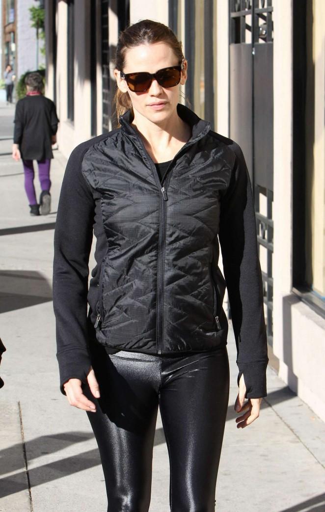 Jennifer Garner in Leggings Out in Brentwood