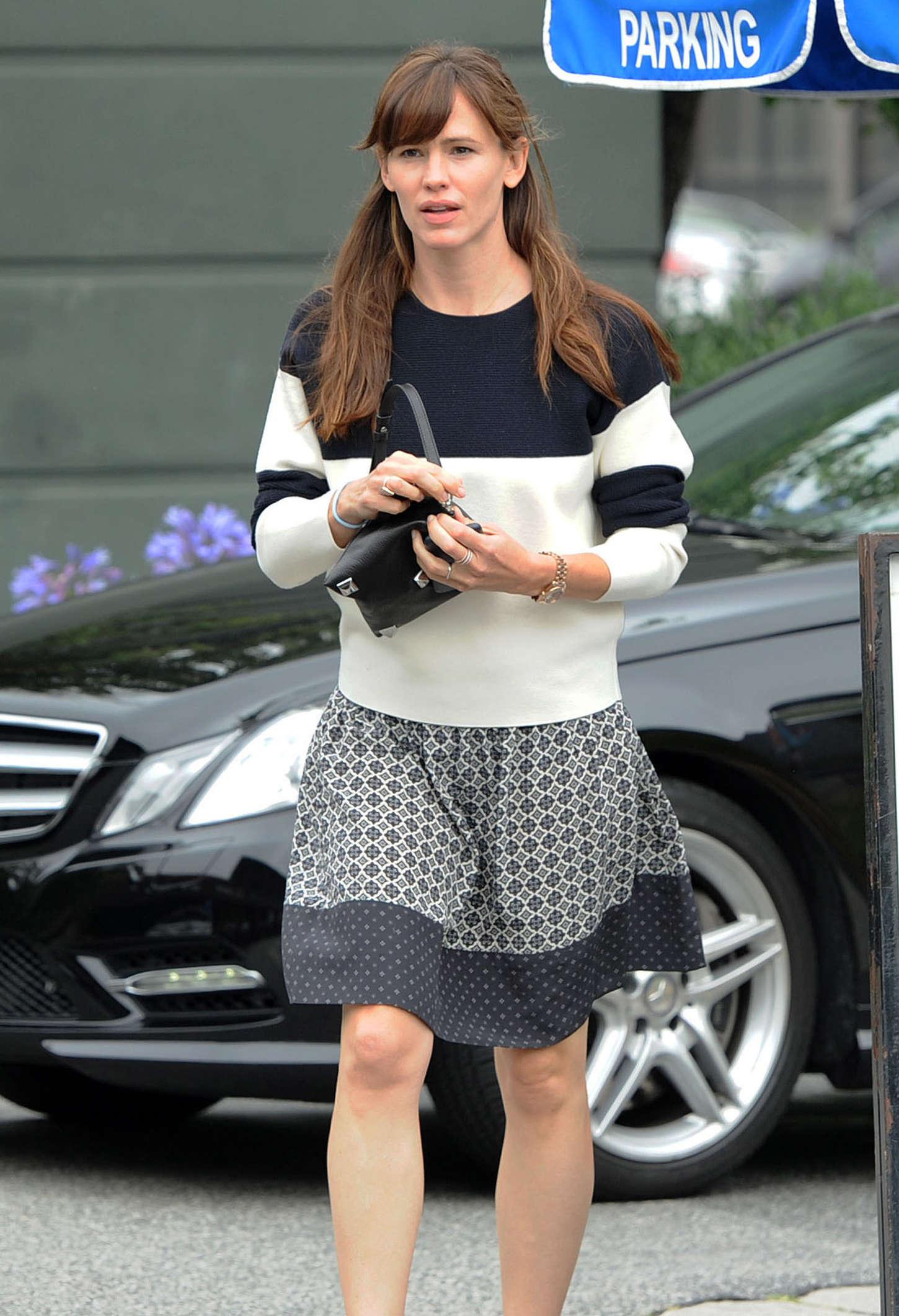 Jennifer Garner In Mini Dress 11 GotCeleb