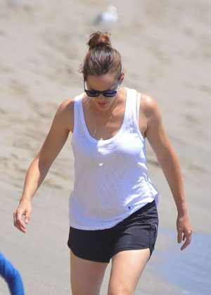 Jennifer Garner in Shorts at the beach in Malibu