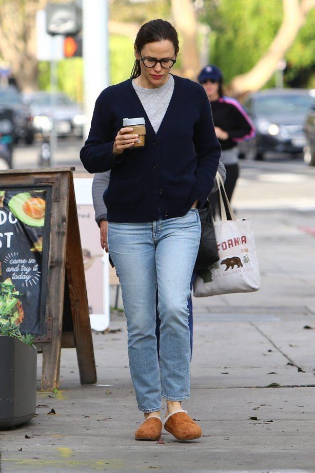 Jennifer Garner - In slippers out in Brentwood