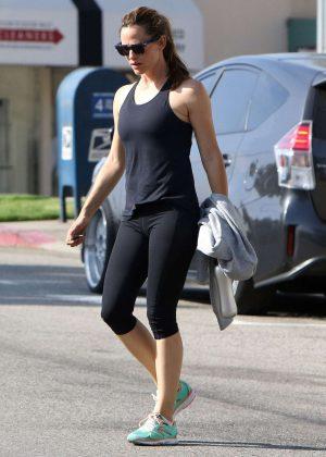 Jennifer Garner in Spandex at a Gym in Beverly Hills