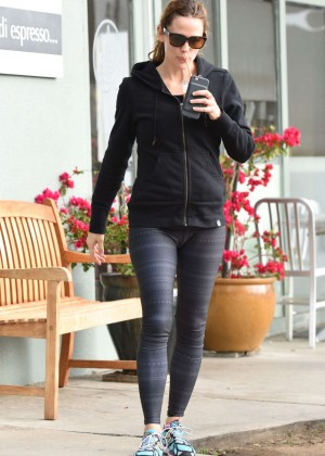 Jennifer Garner in Spandex Out in Brentwood
