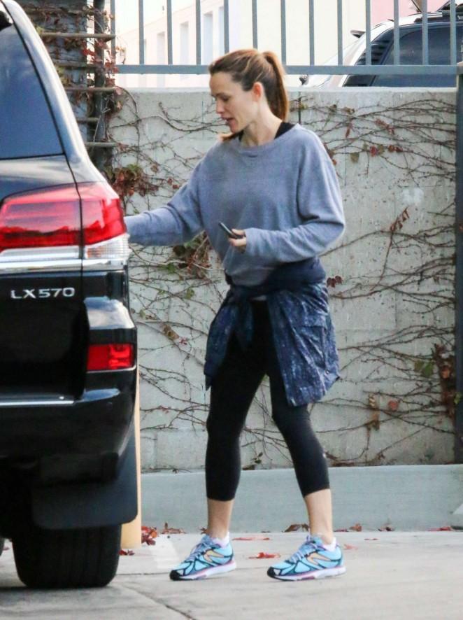 Jennifer Garner in Spandex out in Los Angeles
