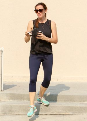 Jennifer Garner in Spandex Out in Los Angeles