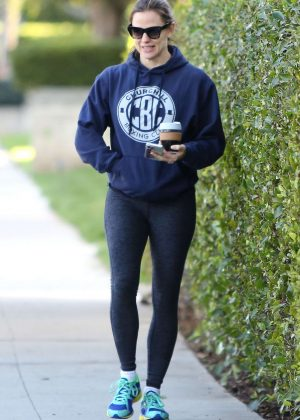 Jennifer Garner in Spandex - Out in Santa Monica