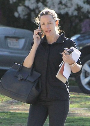 Jennifer Garner in Tight Leggings out in Brentwood