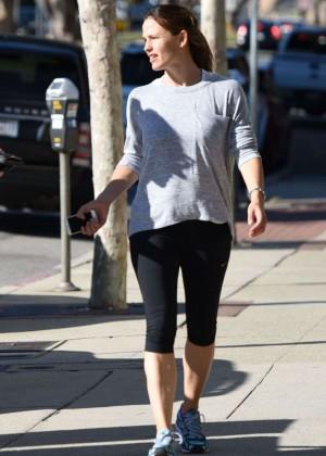 Jennifer Garner in Tight Leggings Out in Brentwood