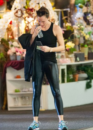 Jennifer Garner in Tights after a work out at a gym in Los Angeles