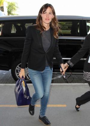 Jennifer Garner in Jeans at LAX Airport in LA