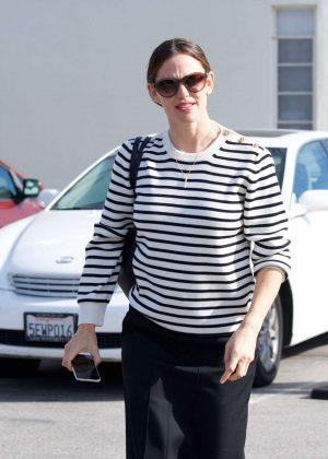 Jennifer Garner - Leaving church in Pacific Palisades