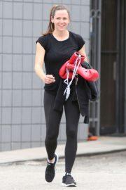 Jennifer Garner - Leaving her boxing class in Los Angeles