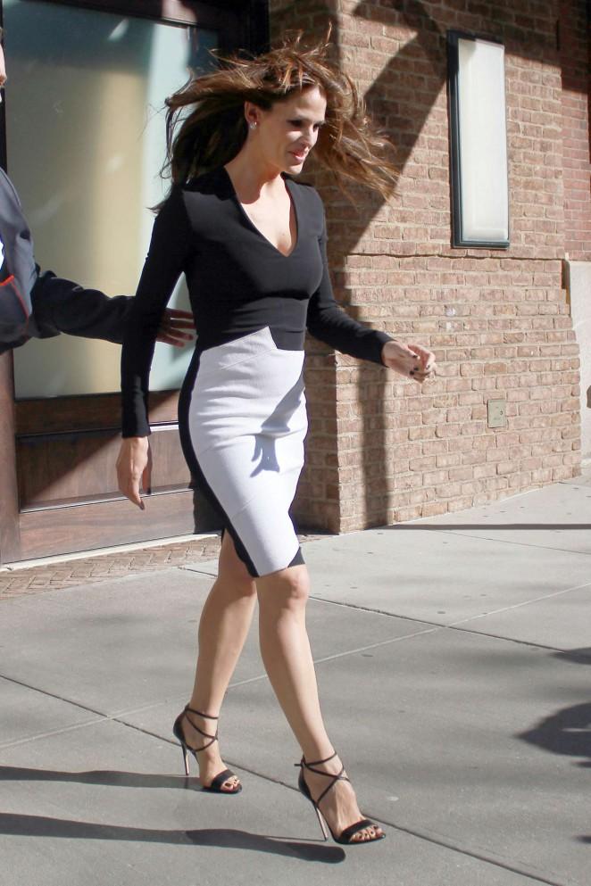 Jennifer Garner Tight Dress 10 Demi Lovato Father