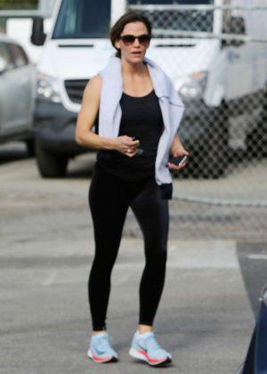 Jennifer Garner - Leaving The Gym in Santa Monica