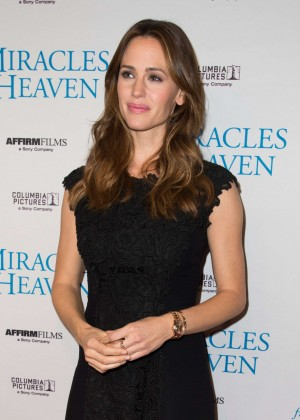 Jennifer Garner- 'Miracles From Heaven' Premiere in Dallas